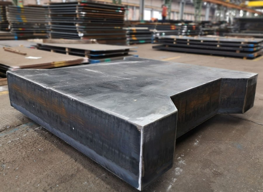 300mm profile with a rectangular weight of 5.4 tonnes, ready for dispatch